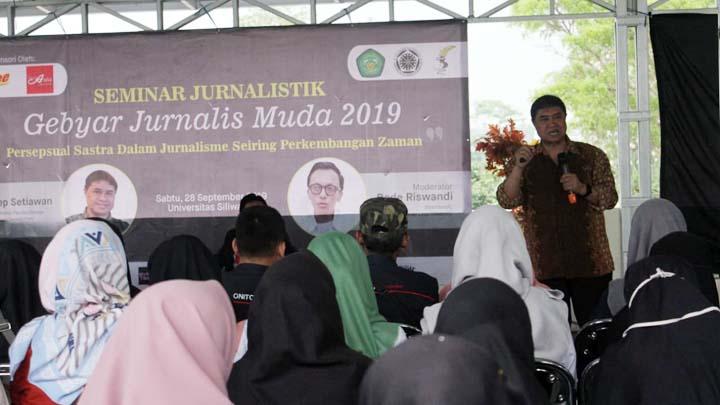 Koropak.co.id - Ratusan Peserta Ikuti Pembekalan Jurnalistik di Unsil Tasikmalaya