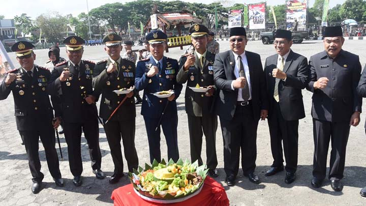 Koropak.co.id - Refleksi HUT TNI, Perkuat Sinergi Dengan Segenap Komponen Bangsa (2)
