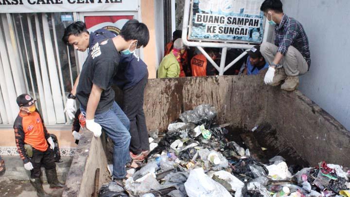 Koropak.co.id - Ribuan Warga Kota Tasikmalaya Terjun di World Clean Up Day 2019 (2)