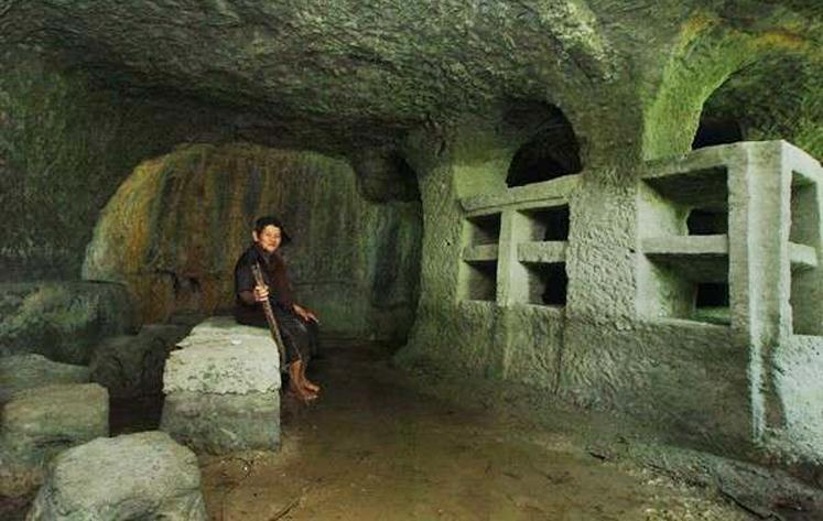 Obyek Wisata Rumah Batu di Tasikmalaya