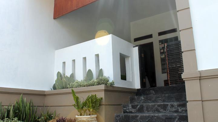 Koropak.co.id - Rumah dengan Lahan Luas Menguntungkan! 2