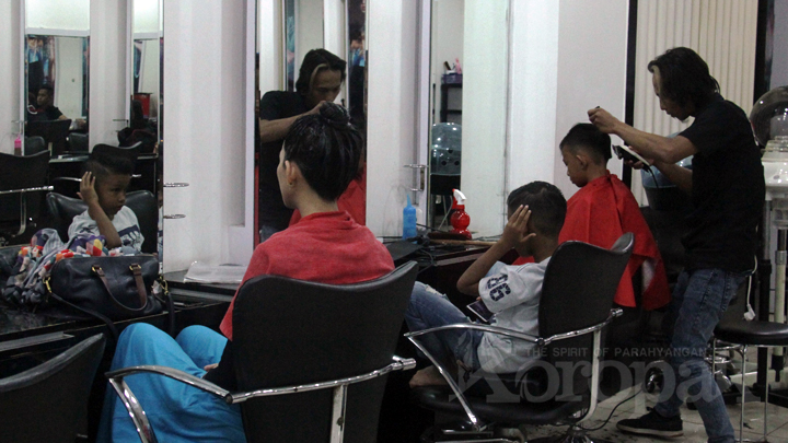 Salon Christopher Plaza Asia Berikan Promo Spesial