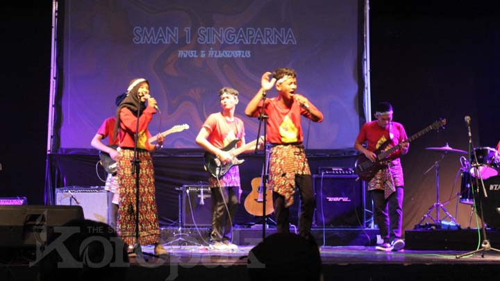 Koropak.co.id - Sanggar Seni SMAN 1 Singaparna Jajal Festival Band Kontemporer (2)