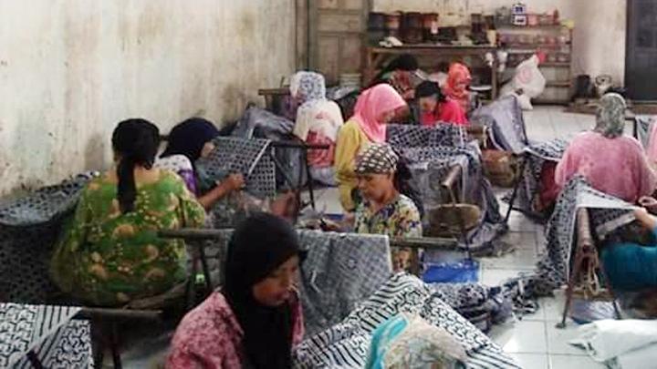 Koropak.co.id - Sensasi Wisata Belanja di Kampung Batik Tasikmalaya (2)