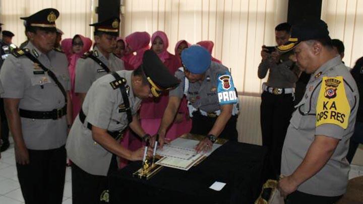 Koropak.co.id - Serah Terima Jabatan, 3 Anggota Polres Tasikmalaya Kota Teken Pakta Integritas