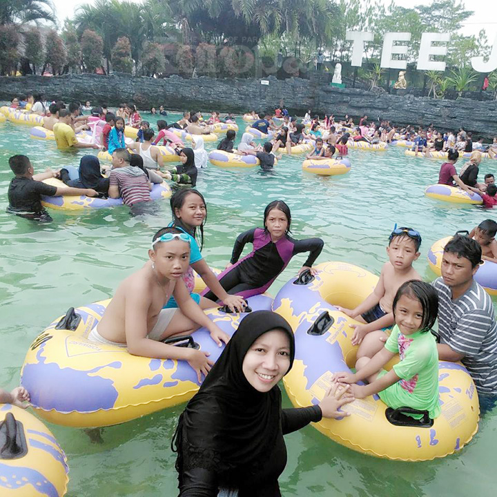 Koropak.co.id - Sewindu TeeJay Waterpark Temani Liburan Keluarga (2)