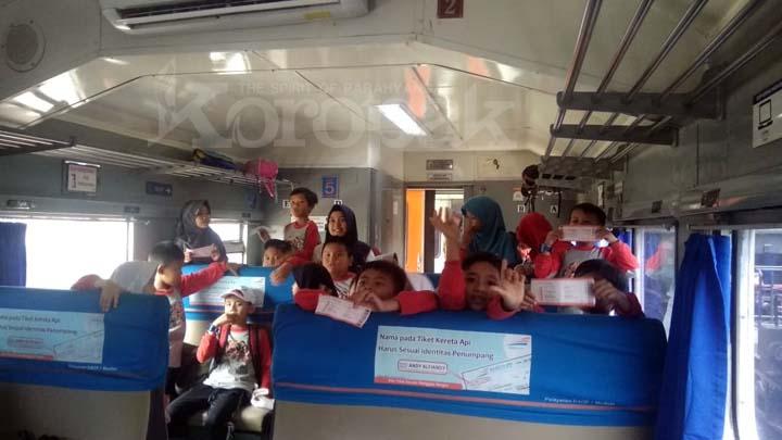 Koropak.co.id - Siswa SD Lab School UPI Tasikmalaya Dikenalkan Profesi Masinis (3)