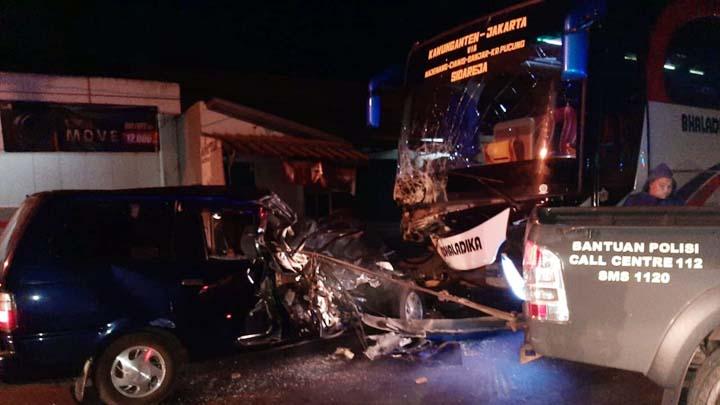 Koropak.co.id - Tabrakan Maut di Tasikmalaya, Dua Orang Tewas Terjepit Badan Mobil (1)