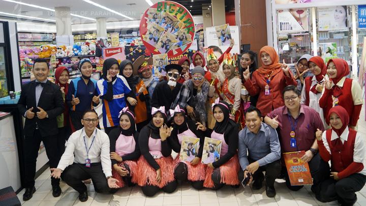 koropak.co.id - Tim Kasir dan CSO Plaza Asia Berhasil Hibur Penonton
