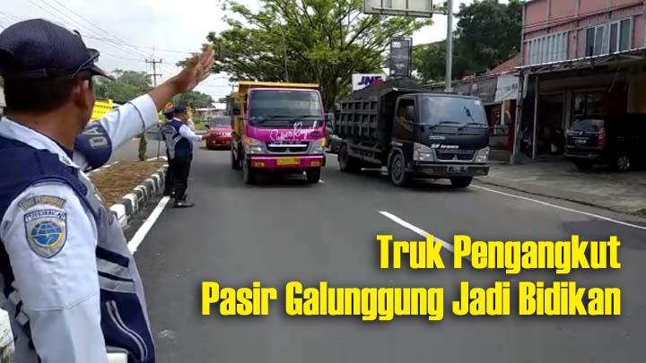 Koropak.co.id - Tim Gabungan Lakukan Razia Kendaraan Pengangkut Barang (2)