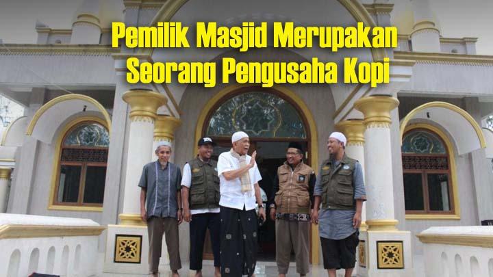 Koropak.co.id - Viral! Pria Tua 70 Tahun Bangun Masjid Megah di Tengah Hutan (2)