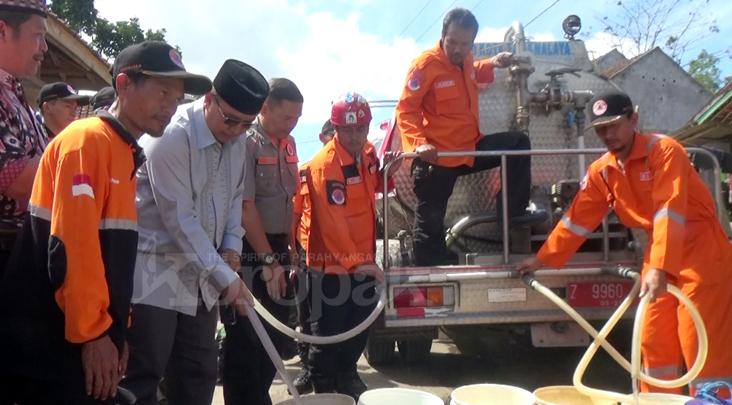 Walikota Tasikmalaya Hadiri Pendistribusian Air Bersih