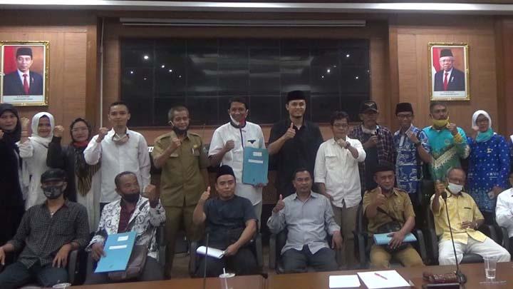 Koropak.co.id - Warkop Tasikmalaya Bawa Persoalan Guru Honorer Ke Dewan