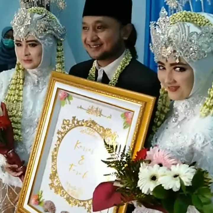 Ra Karror menikahi 2 wanita sekaligus