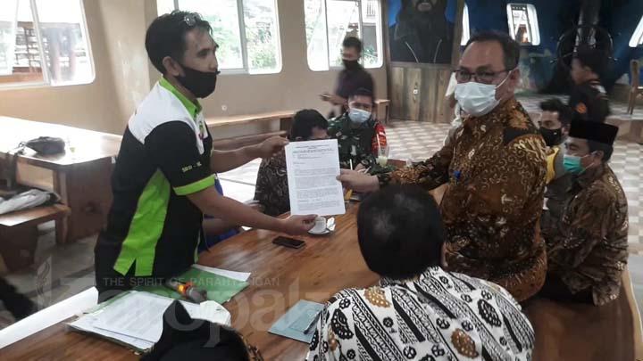 Serikat Pekerja dan Buruh Tasikmalaya Tuntut Gubernur Revisi SK (2)